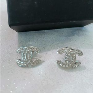 CC Silver Small Chanel Earring 😽😽😽